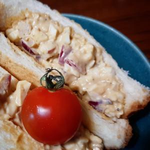 《おうちカフェ》しゃきしゃき玉葱ピクルス入り 和風玉子サンドイッチ