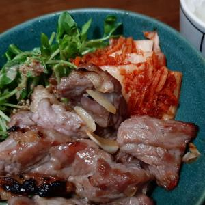 《 時短レシピ 》魚焼きグリルでビーフステーキ 韓国肉サラダ風