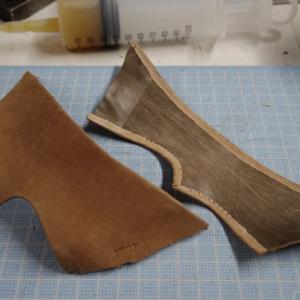 13.5cmのトングサンダル アッパー縫製〜中底の厚み調整
