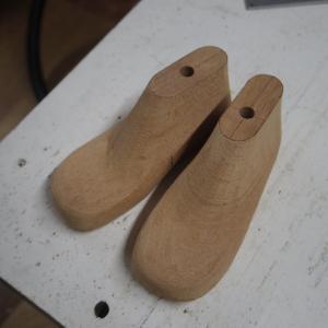木型教室 メジャーメントサンダル作り〜木型削り