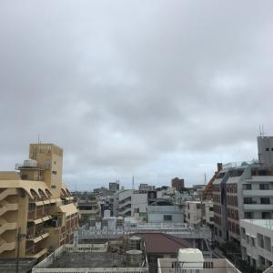 22℃の曇り空@グッドモーニング!Sunday コザ♪