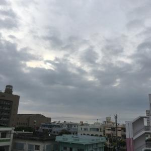 22℃雨上がりの曇り空@グッドモーニング!Friday コザ♪