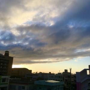 18℃雨上がりの曇り空@グッドモーニング!Sunday コザ♪