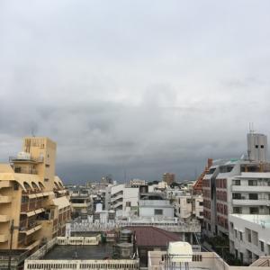 新年度スタート &22℃雨上がりの曇り空@グッドモーニング!Wednesday コザ♪