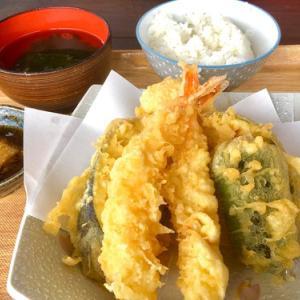 今日のランチは国頭港食堂の天ぷら定食♪