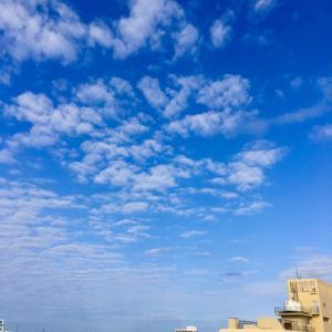 18℃雲の多い晴れ空@グッドモーニング!Wednesday コザ♪