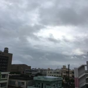 24℃の曇り空@グッドモーニング!Wednesday コザ♪