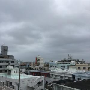22℃風が強い曇り空@グッドモーニング!Friday コザ♪