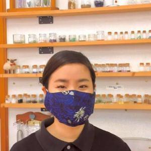 綿の紅型マスク在庫あり!綿生地の紅型マスク&消臭効果のある月桃水販売中!