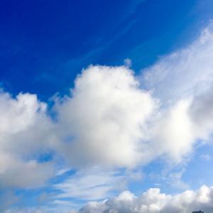 23℃雲の多い晴れ空@グッドモーニング!Tuesday コザ♪