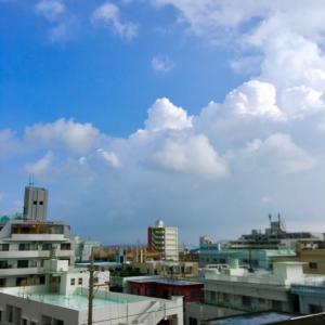 29℃雲の多い晴れ空@グッドモーニング!Sunday コザ♪