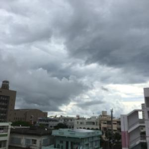 27℃大雨上がりの曇り空@グッドモーニング!Sunday コザ♪