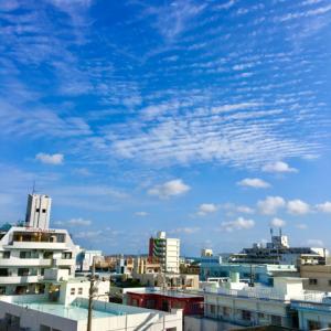 うりずんの季節22℃の心地よい晴れ空@グッドモーニング!Wednesday コザ♪