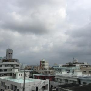 22℃の曇り空@グッドモーニング!Tuesday コザ♪