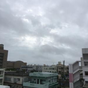 母の日!24℃蒸し暑い曇り空@グッドモーニング!Sunday コザ♪