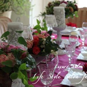 薔薇のテーブル♥モーヴの色合いの秋薔薇