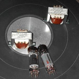 ラジオに最適な6BM8と2球でステレオアンプが組める50BM8という便利な球