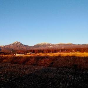 夕日に照らされる八ヶ岳。