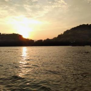 ルアンパバーン、ビエンチャン、バンコクの旅−番外編06、遊覧舟は目線が変わって楽しい。