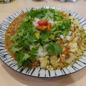 大阪、八尾、「カフェ&スパイス リズモ (Cafe&Spice リズモ)」のスパイスランチ。