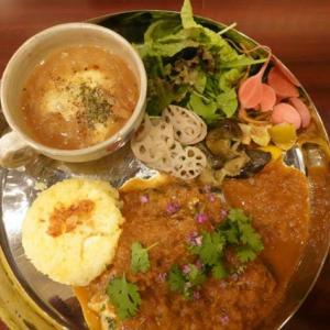 大阪、梅田、お初天神近く、「34 curry(ミヨカリー)」のランチ。