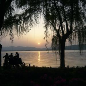 コロナ引き籠り。杭州絵画留学の日々が懐かしい。−24、晩ごはん前に夕陽を見よう。