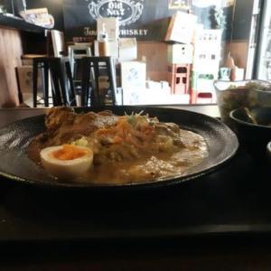 大阪、東住吉東部市場、「curry家 此の道」のスパイスランチ。