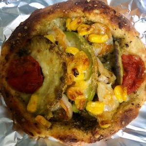 ミナトベーカリー 海老とアボカドのじゃがいもパンと トマトとモッツァレラチーズのじゃがいもパン