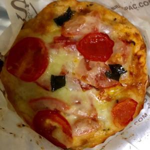 【リピ買い】ベーカリーパレード トマトのピザ