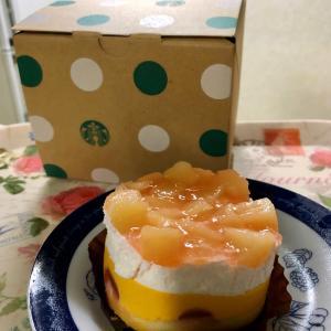 【新作】スターバックス ピーチ&マンゴーケーキ