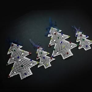 レース編みのXmasツリー。