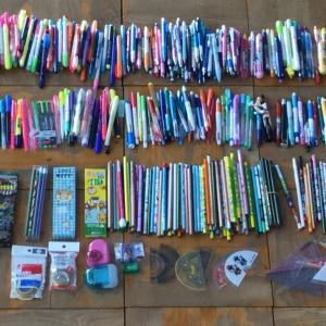【知多市立中部中学校 様】より972個の文房具が届きました