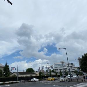 昨日の空。今日は天気。