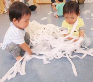 ◆5月のびのびは色の遊びを身体で思いっきり遊びましょう(1歳半~未就園)
