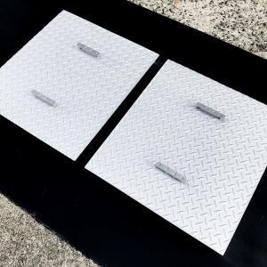 ステンレス製で2枚セットのグリストラップ蓋を神奈川県藤沢市の介護老人福祉施設様へ