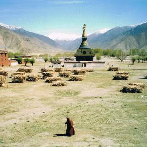 チベットの聖地を巡礼・・・降り注ぐエネルギーを写真でご紹介