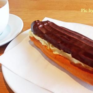 ドイツの甘くないエクレア @ ベーカリーのカフェ