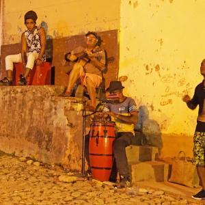 情熱があふれ出す国 キューバ・・・音楽の街で 歌って踊る <子供と2人旅>