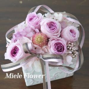 ピンクのミニバラもかわいいですよ!