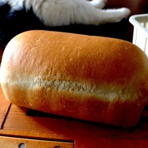 黒糖ミニ食パン・・自由すぎる。