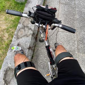 自転車に乗りながらのEMS機器
