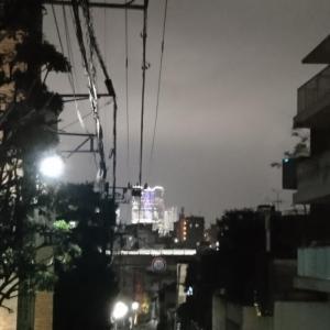 「雨は夜更け過ぎに」