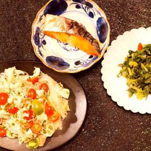 ある日の食卓はタイ料理のイメージで