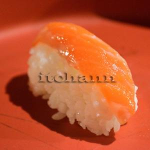 【洗い物が少ないキャンプ飯】 簡単で失敗しない究極メニュー、それはにぎり寿司なのかもしれない