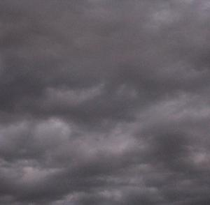 20年7月19日(日)昼間なのに空が真っ暗