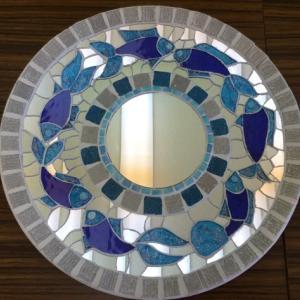 魚のモザイクの鏡