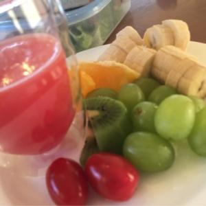 エネルギー充電!フルーツ朝食♪