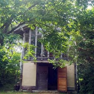 森の中の木工作家の工房・・・エラムさん