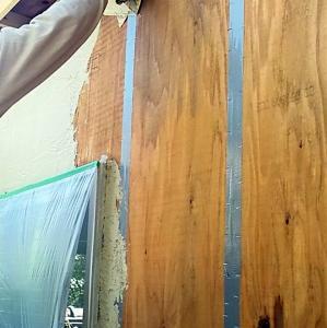 外壁塗り壁のローコストの実験的仕上げ