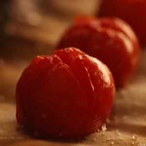 【秘密の悪女キッチン】︰トースターで作る、焼きミニトマト